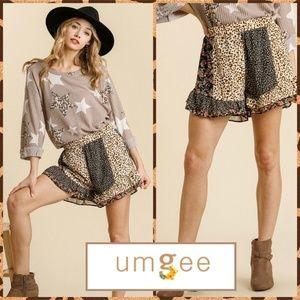 Umgee Lady Leopard Ruffled Hem Floral Print Shorts